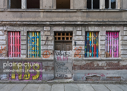 Unrestored dilapidated old building facade - p390m2149772 by Frank Herfort