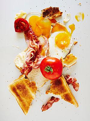 Englisches Frühstück - p358m1503134 von Frank Muckenheim