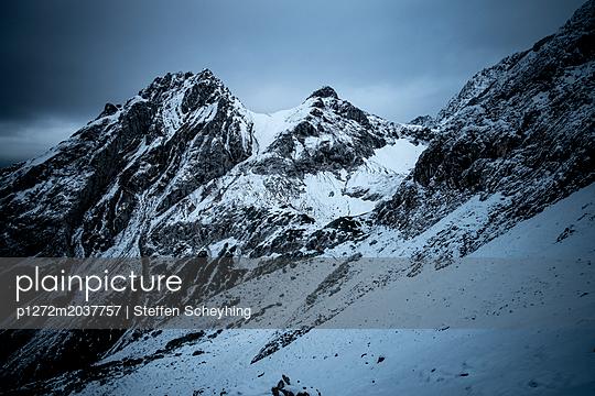 Alpen im Winter - p1272m2037757 von Steffen Scheyhing