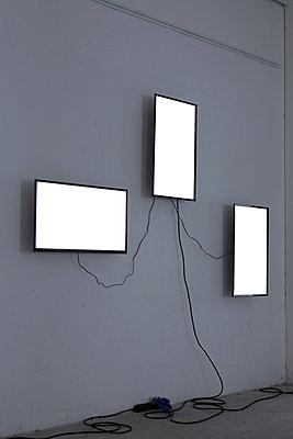 Installing - p1017m1042486 by Roberto Manzotti