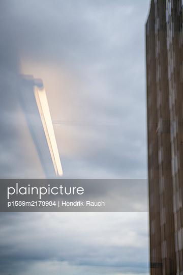p1589m2178984 by Hendrik Rauch