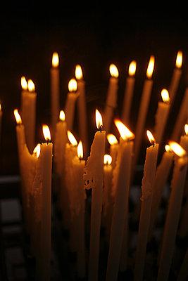 Kerzenschein - p1028m853814 von Jean Marmeisse