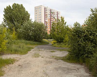 apartment building - p1214m1116215 by Janusz Beck