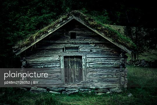 Alte Blockhütte in Norwegen - p248m2126052 von BY