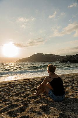 Sonnenuntergang an der Südküste auf Kreta - p081m1182338 von Alexander Keller