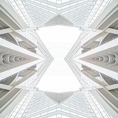 Abstract kaleidoscope pattern Liège-Guillemins station in Liège - p401m2207506 by Frank Baquet