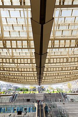 Canopé du Forum des Halles - p590m1129087 by Philippe Dureuil