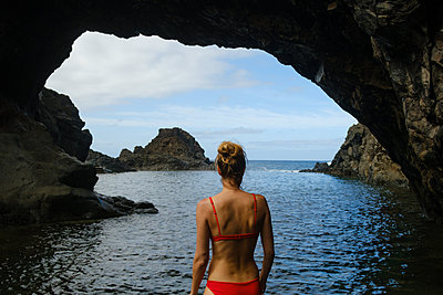 Portugal, Madeira, Porto Moniz Lava Pools - p1600m2175615 by Ole Spata