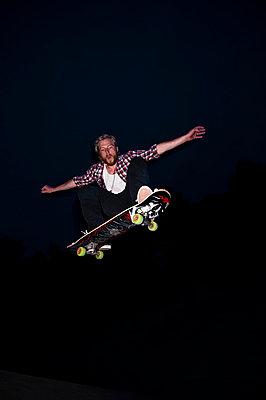 Boy skateboarding - p2200769 by Kai Jabs