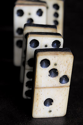 Domino effect - p450m1190905 by Hanka Steidle
