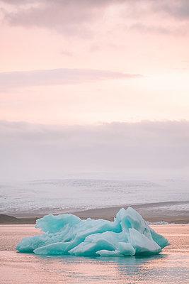 Die Gletscherlagune Jökulsarlon - p1600m2168259 von Ole Spata
