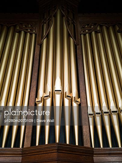 Goldene Orgel - p1280m2073109 von Dave Wall