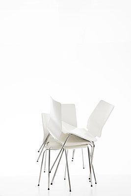 Stuhl - Variationen - p1212m1217438 von harry + lidy