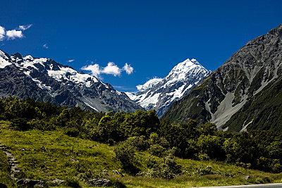 Mount Cook - p741m892083 von Christof Mattes