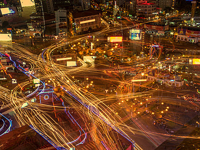 Saigon bei Nacht - p393m1452293 von Manuel Krug