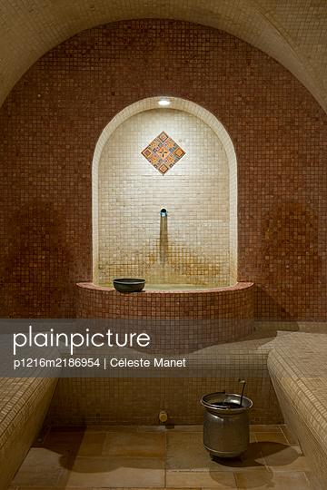 Interior of a hammam - p1216m2186954 by Céleste Manet