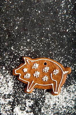 Lebkuchen Schwein - p451m1511428 von Anja Weber-Decker