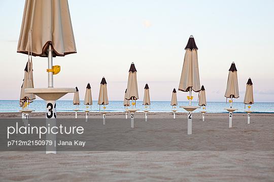 Evening at the beach - p712m2150979 by Jana Kay