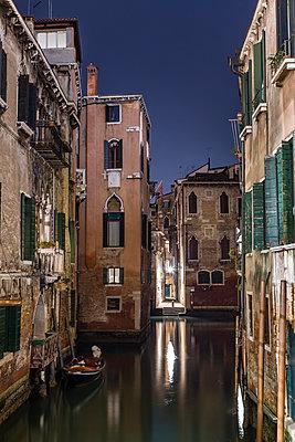 Venedig bei Nacht - p1558m2168357 von Luca Casonato