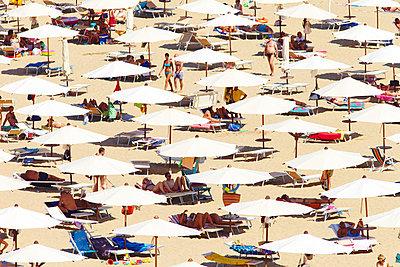 Mass tourism - p719m702157 by Rudi Sebastian