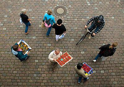 Fish market in Hamburg - p7920016 by Nico Vincent