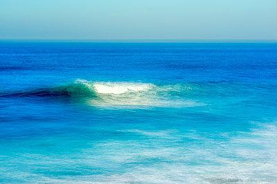 Eine Welle - p1436m1496823 von Joseph S. Giacalone