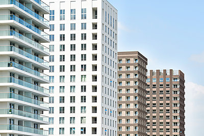 Several high rises - p587m1155072 by Spitta + Hellwig