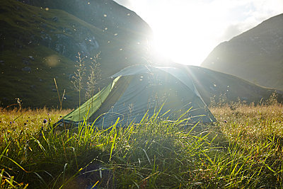 Zelten in den Grampian Mountains - p1145m1558724 von Kerstin Lakeberg