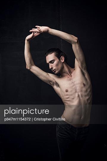 Tänzer - p947m1154372 von Cristopher Civitillo
