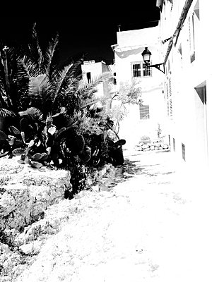 Ibiza Backstreet - p1089m908014 by Frank Swertz