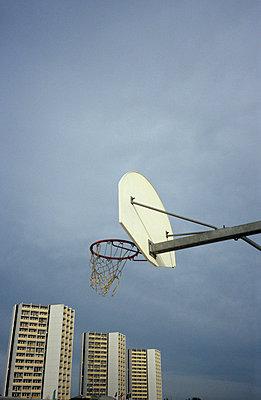 Basketballkorb mit Halterung - p2370203 von Thordis Rüggeberg