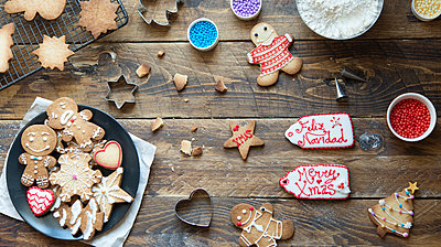Home-baked Gingerbread Cookies - p300m2004317 by skabarcat