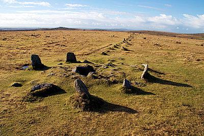Prehistoric ceremonial lines of stones, Merrivale, Dartmoor National Park, Devon, England, United Kingdom, Europe - p871m927383 by David Lomax