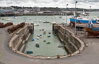 Alter Hafen von Granville in der Normandie - p342m970664 von Thorsten Marquardt