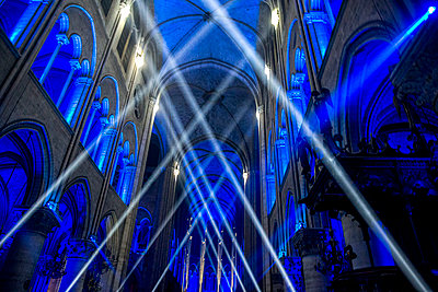 Sound and light show at Notre Dame Cathedral, Paris, France - p871m2058000 by Godong