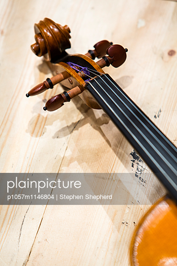 Geige - p1057m1146804 von Stephen Shepherd