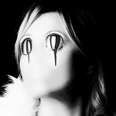 Tears - p1543m2116513 by Sophia Snadli