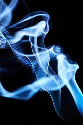 Rauchformen - p179m741603 von Roland Schneider