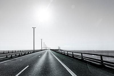 Fahrt über die Öresundbrücke - p248m1465843 von BY