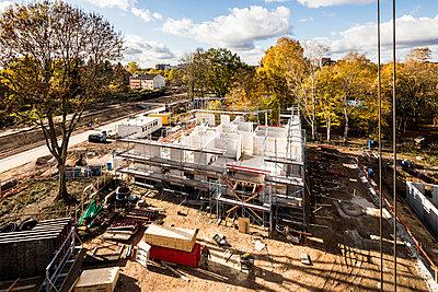 Build cost-effectively - p834m2099176 by Jakob Börner