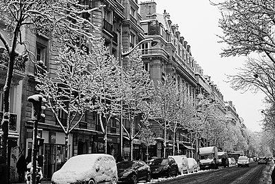 Paris snowy street - p1499m2142240 by Marion Barat