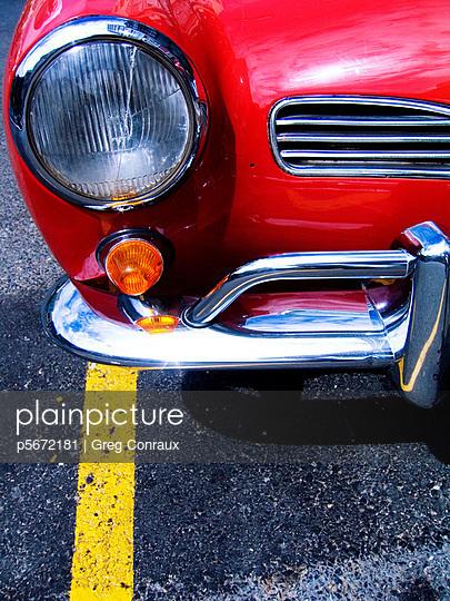 Rotes Auto - p5672181 von Greg Conraux