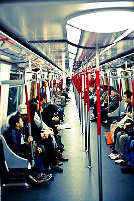 In der U-Bahn - p6180214 von Capturaimages