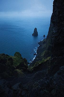 Cliff - p1477m1586417 by rainandsalt