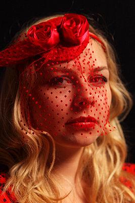 Red veil - p0453058 by Jasmin Sander