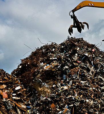 Pile of scrap metal - p1082m1466474 by Daniel Allan