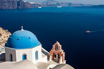 Kirche in Santorini - p1691m2288608 von Roberto Berdini Bokeh