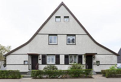 """Haus in der Arbeitersiedlung """"Dahlhauser Heide"""" in Bochum - p105m1025443 von André Schuster"""