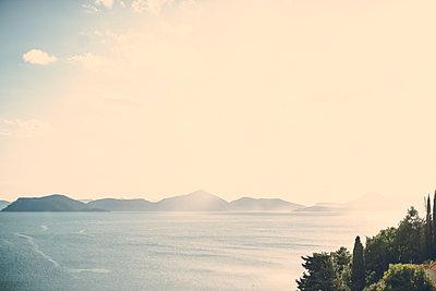 Bay in Croatia - p795m2163793 by JanJasperKlein