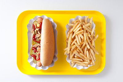 Hot dog and french fries - p4541092 by Lubitz + Dorner